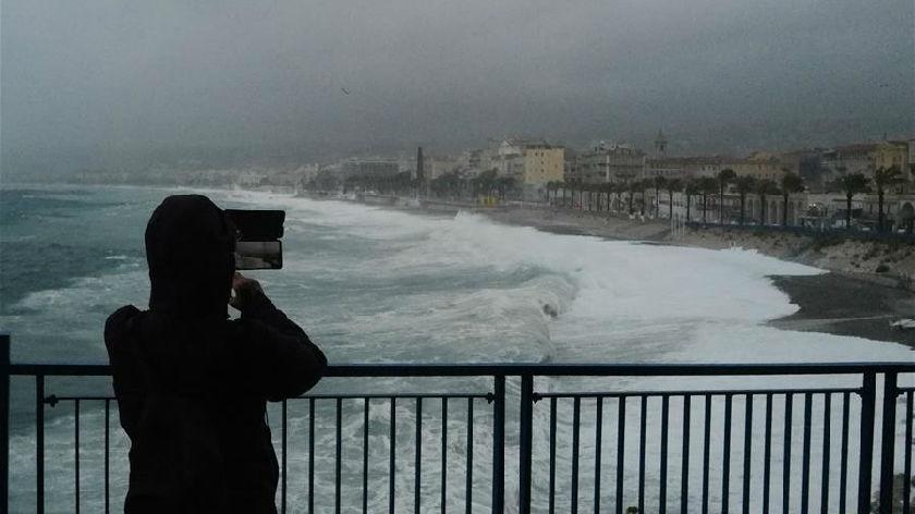法國東南部地區遭暴風雨襲擊致18人失蹤