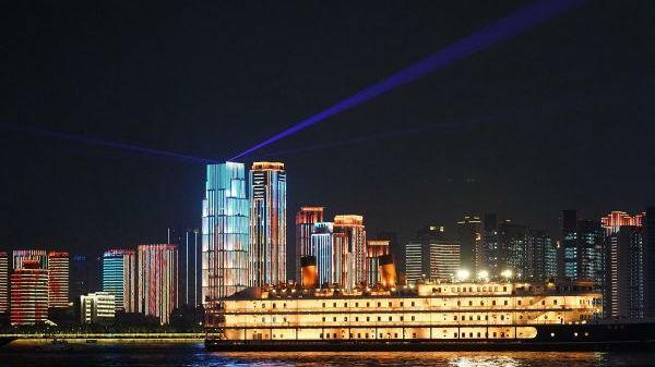 英媒关注武汉迎来黄金周:蓬勃发展的城市再次充满欢声笑语