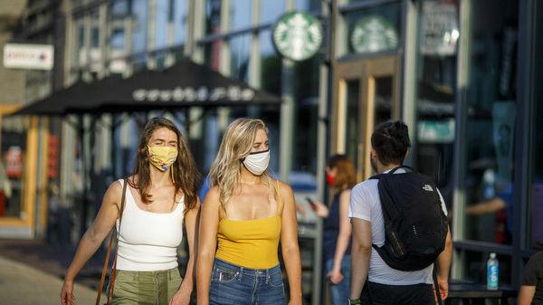 外媒:疫情令成千上万美国女性被迫放弃工作