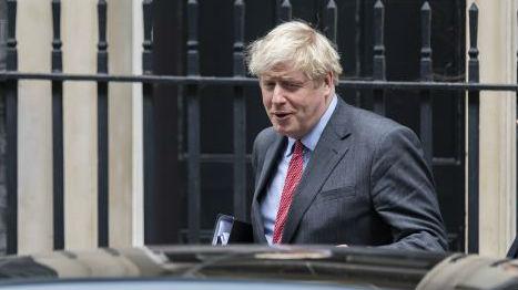 """""""他没资格再做首相了""""!约翰逊领导力遭遇党内质疑"""