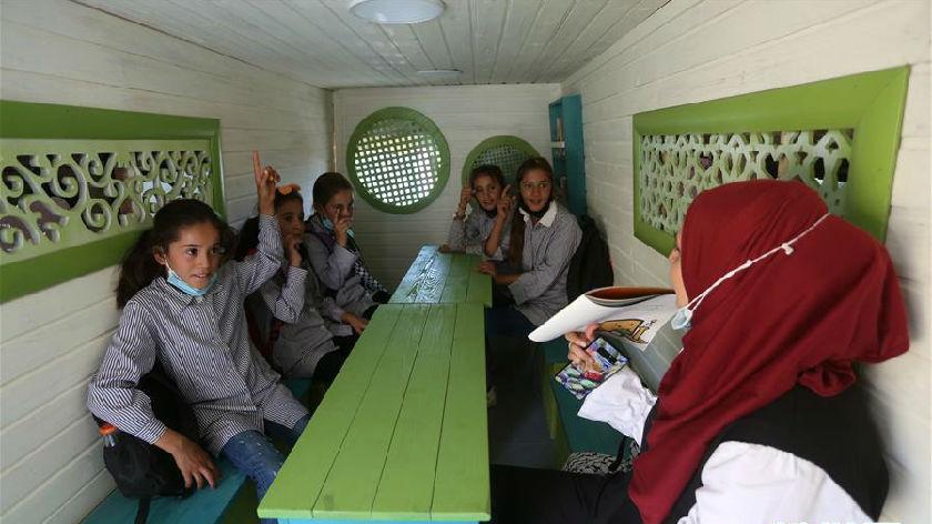 """巴勒斯坦的""""移動教室"""""""