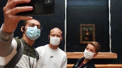 第二波疫情袭击欧洲大城市:社交活动和夜生活受限