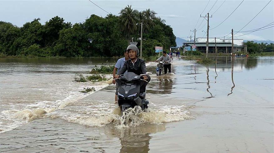 越南中部等地暴雨災害已致55人死亡