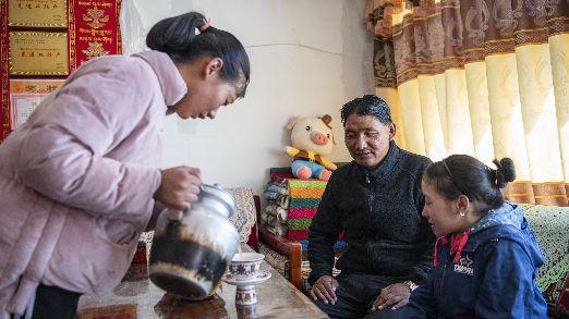 外媒关注:西藏历史性消除绝对贫困