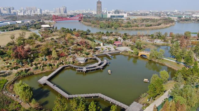 江苏扬州:运河公园风景如画