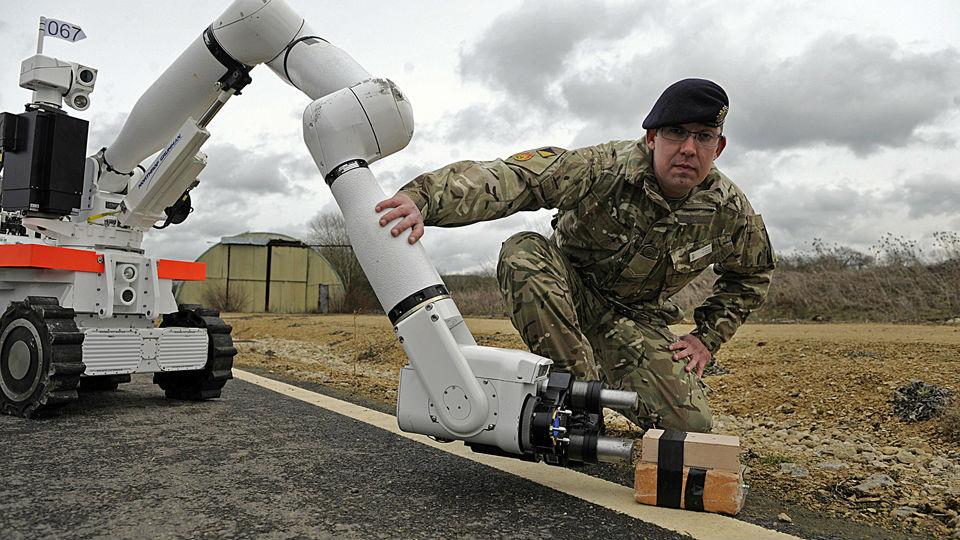 """英陆军拟配""""皇家机器人军团"""" 未来四分之一军力或是机器人"""