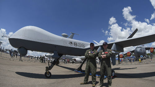 美媒认为:武装无人机迅速发展 无人机战争将日趋普遍