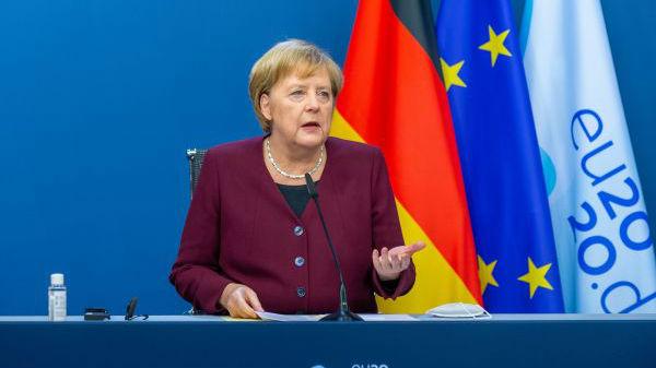 """外媒:近九成德国人说她""""做得很好"""" 默克尔执政15年获高度评价"""