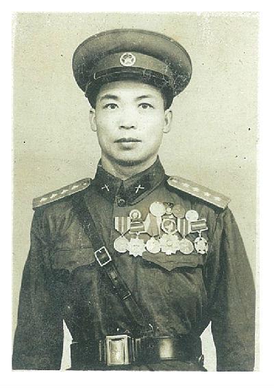 张益仁在部队时的戎装照
