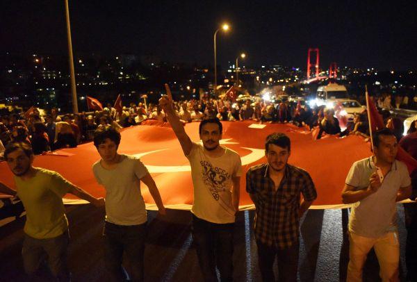 土耳其审判2016年政变参与者 多人被判终身监禁