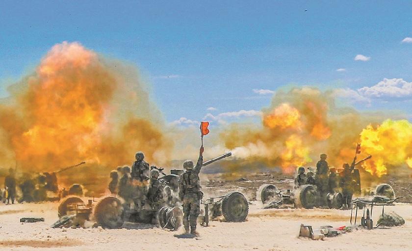鏖战戈壁织天网!新疆军区火力团实弹演练