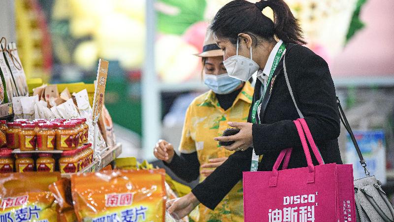 """美媒关注:中国推""""需求侧改革""""刺激消费"""
