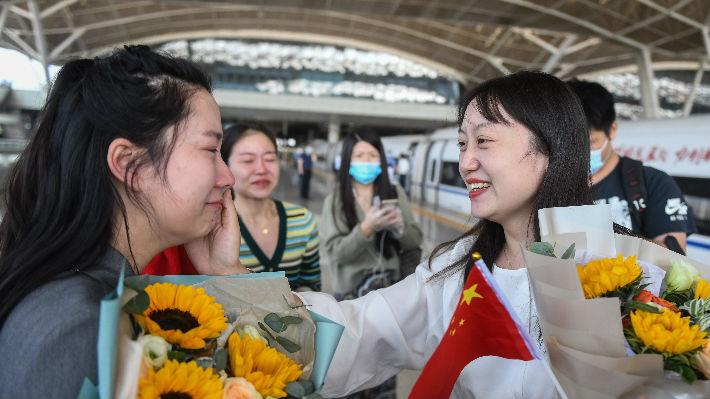 """""""留在武汉更有安全感""""——哥伦比亚留学生讲述在华抗疫故事"""