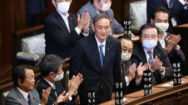 """菅义伟内阁支持率跌至新低 日媒称""""抛弃菅义伟""""趋势渐增"""