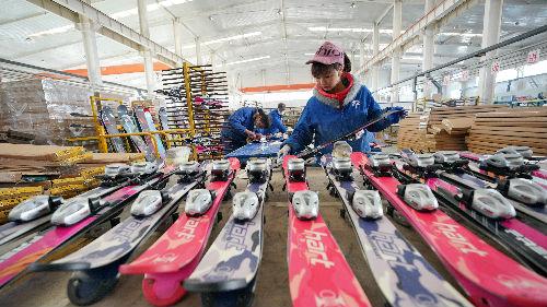港媒:中国经济2021年起点比美欧更好