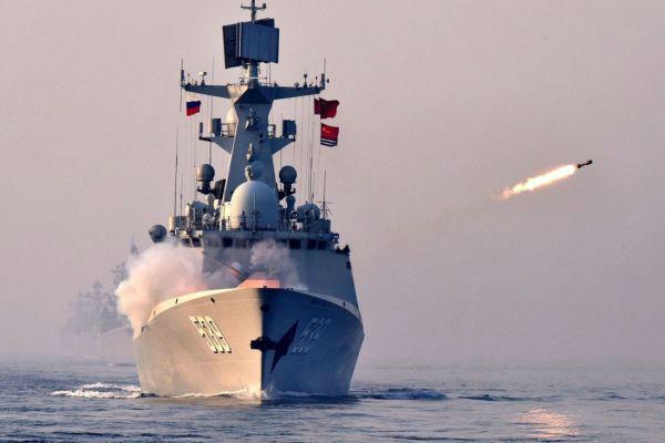 中国 海军 护卫舰 发射 反潜深弹