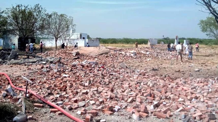 印度南部一烟花厂发生爆炸至少15人死亡