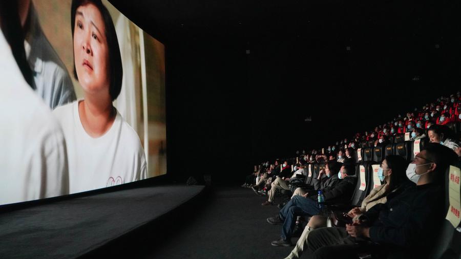 2021年春节档电影票房78.22亿元 比2019年增长32.47%