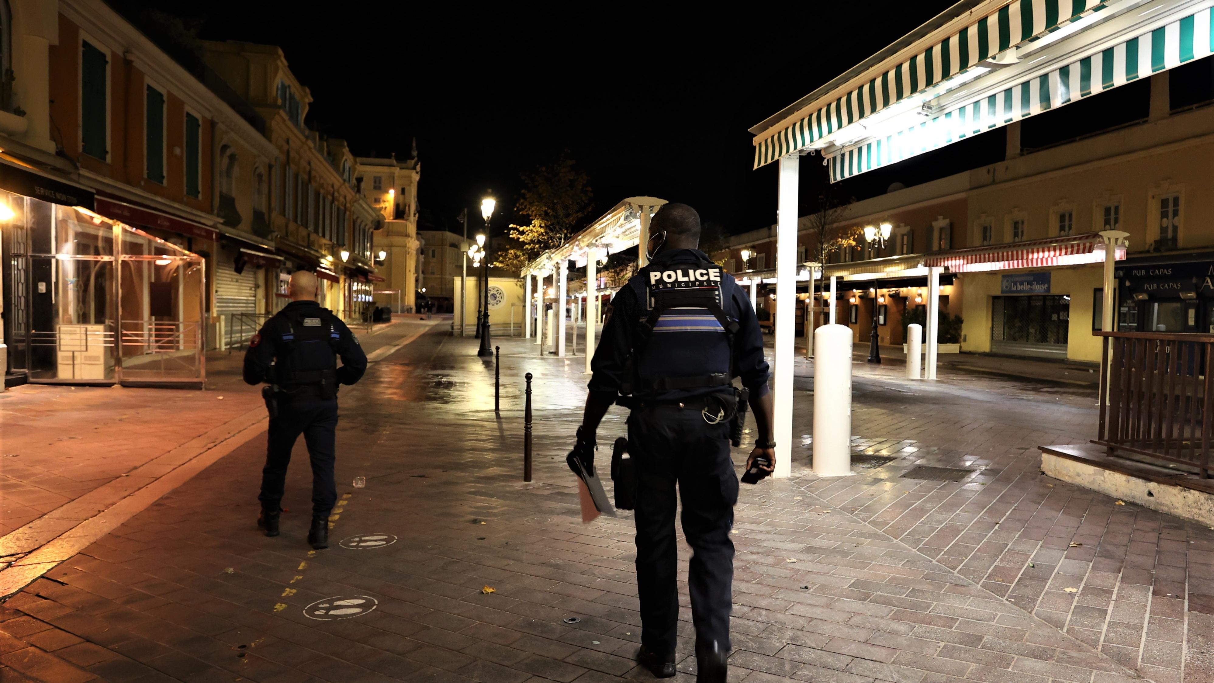 外媒:法国著名主持人达沃尔被控强奸