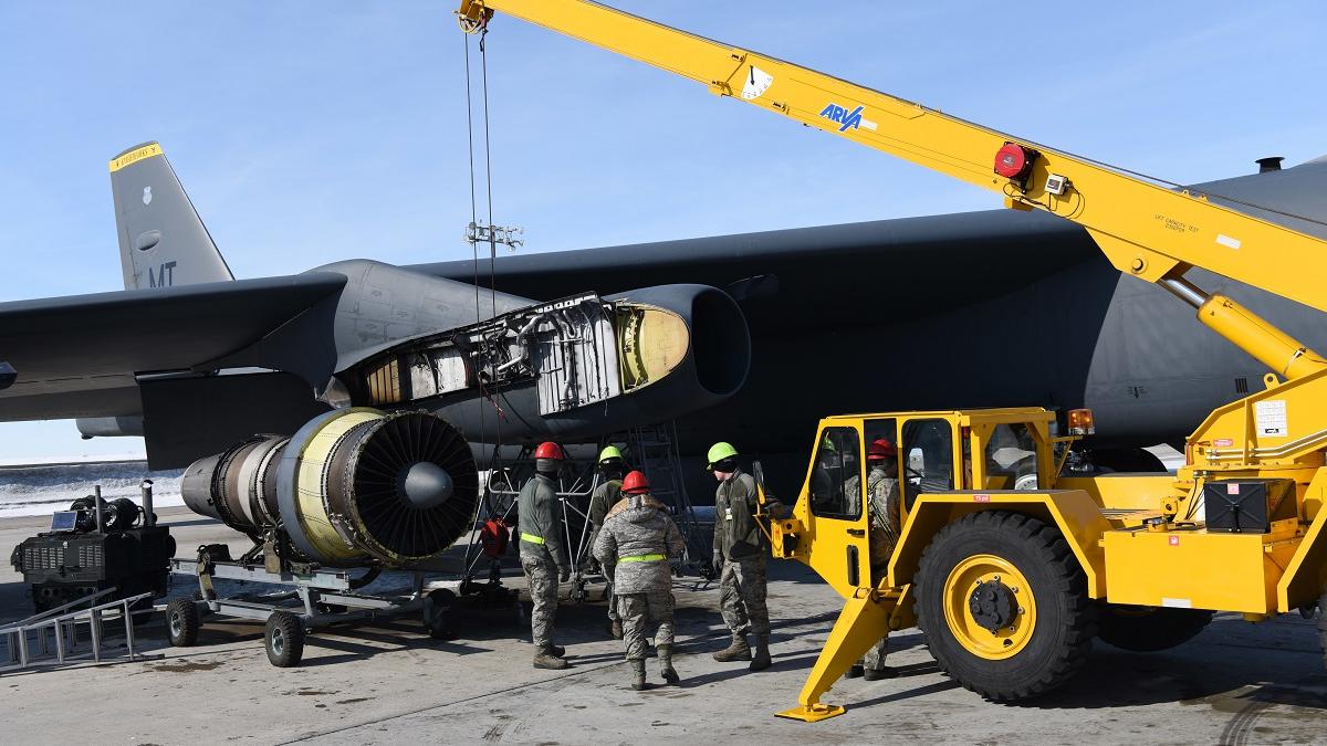 美媒:美制裁中企或影响B-52发动机更新