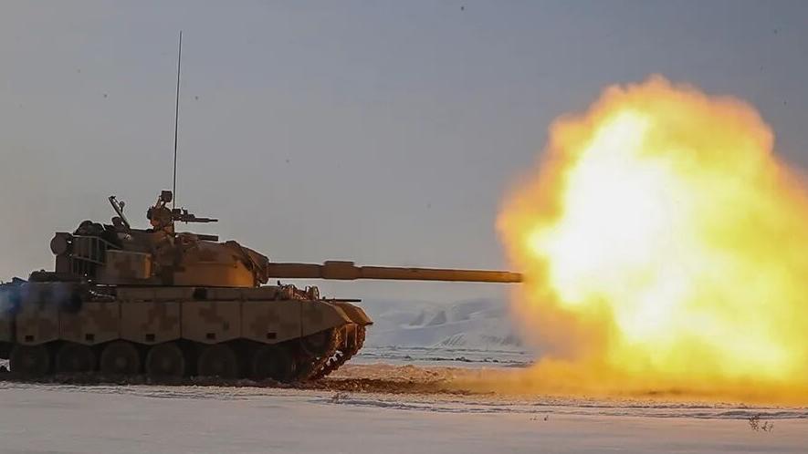 霸气十足!直击坦克实弹打靶现场