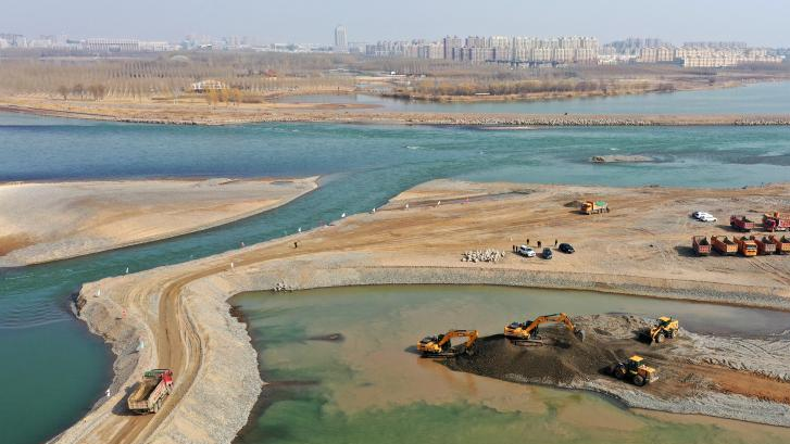 黄河河道清淤疏浚忙