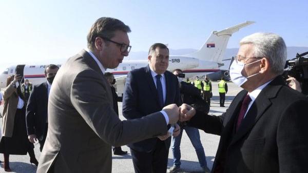 """英媒:塞尔维亚向波黑赠疫苗""""泯恩仇"""""""