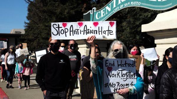 美媒社论:亚裔美国人面对的仇恨