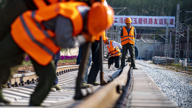 美媒:两会发出推进中国全面发展强音