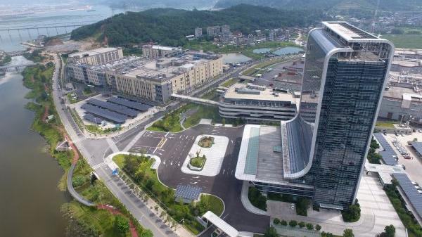 西媒:中国领跑电动汽车行业竞赛
