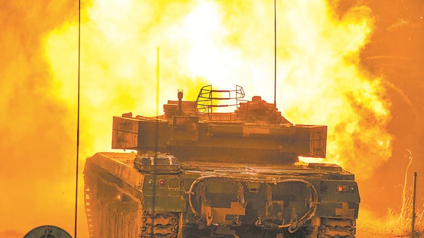 昼夜炮声不断!看73集团军合成旅战车打靶