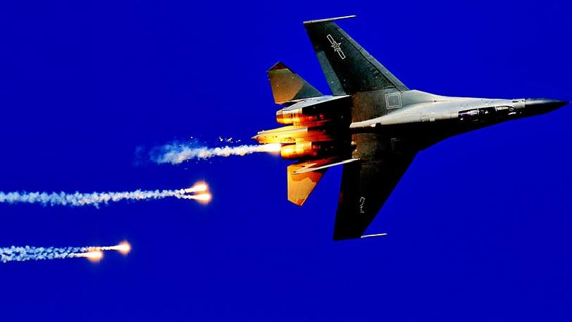 """""""战鹰散花""""!看大师如何拍摄战机干扰弹"""