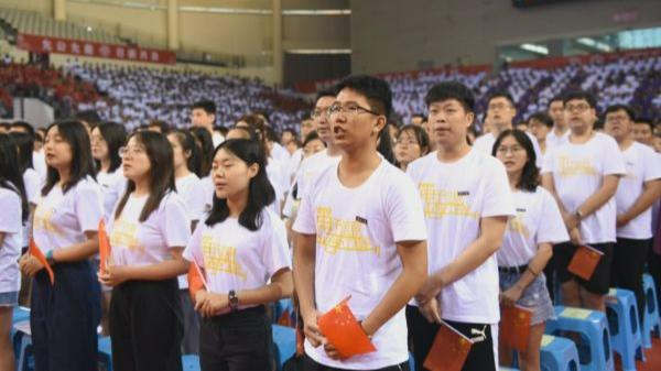 美媒文章:中国年轻人面对西方时愈加自信