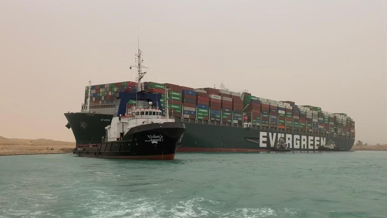 台媒:台货轮苏伊士运河搁浅 国际油价大幅反弹