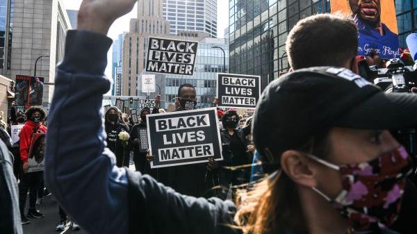 《2020年美国侵犯人权报告》引发境外媒体关注