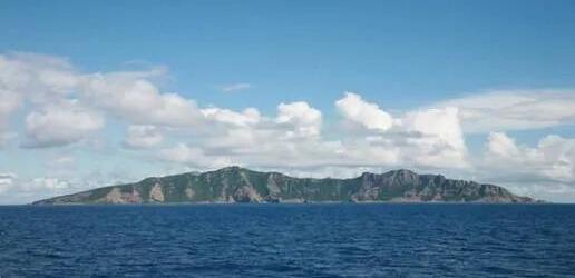 钓鱼岛正面全景图(中国钓鱼岛数字博物馆)