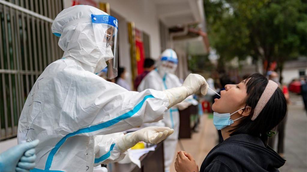 云南瑞丽市区开展第二轮全员核酸检测