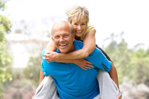"""中年人如何确保晚年健康幸福?美专家开出""""养生良方"""""""