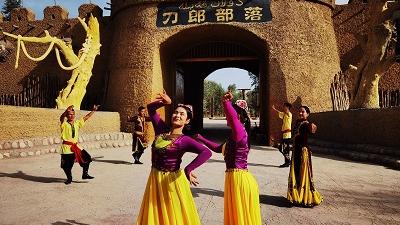 """美媒关注:新疆舞动""""歌声的翅膀"""""""