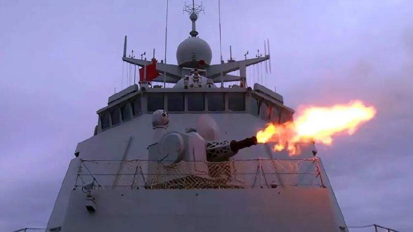 火力全开!看东部战区海军驱逐舰实弹打靶