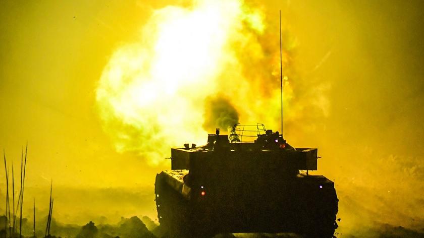 昼夜打靶!看73集团军装甲战车实战演练