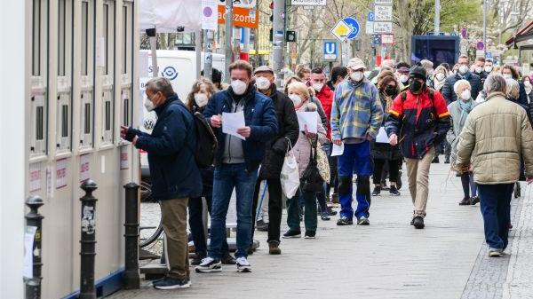 外媒:欧洲累计新冠肺炎死亡病例超过100万例