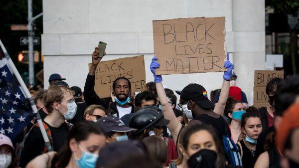 种族主义深入美国肌理 美国黑人遭受集体创伤