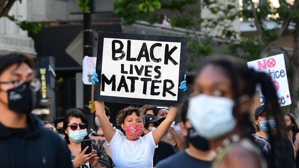 美媒文章:在美国当黑人令人精疲力尽