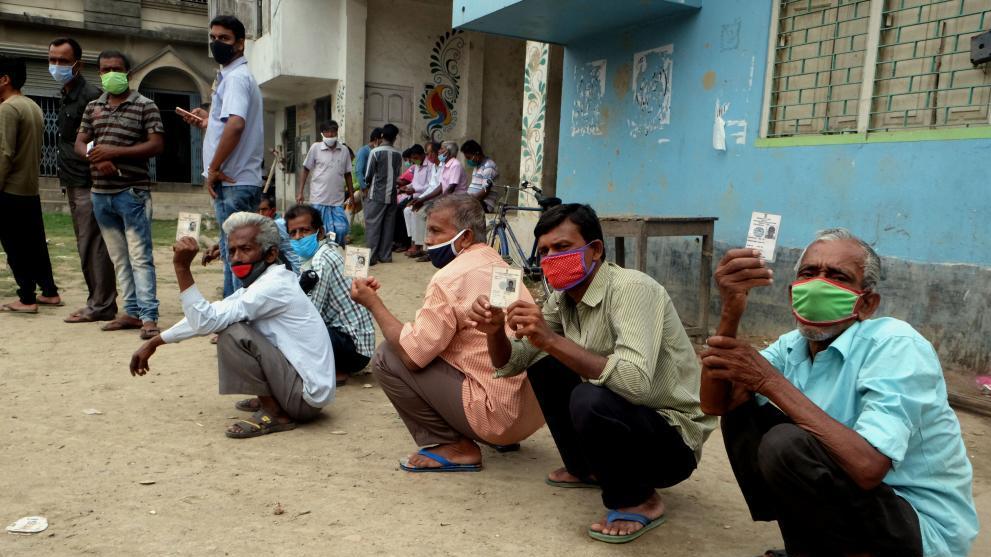 印度疫情持续恶化
