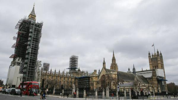 这是3月16日在英国伦敦拍摄的议会大厦外景。新华社