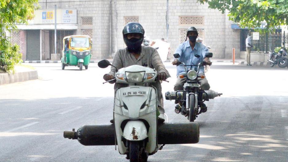 印度:补充氧气