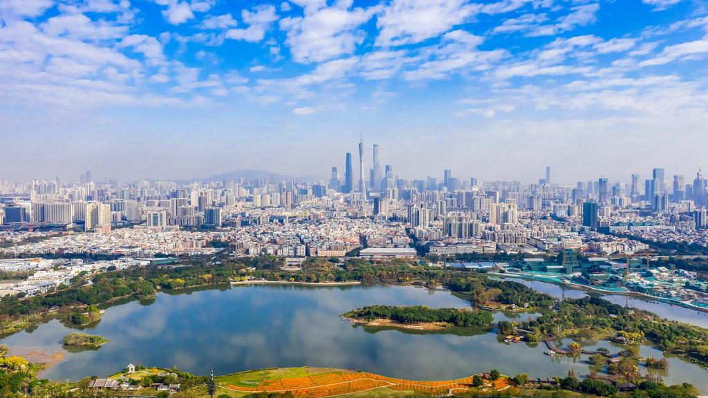 外媒:中国取代美国成为全球最大投资目的地