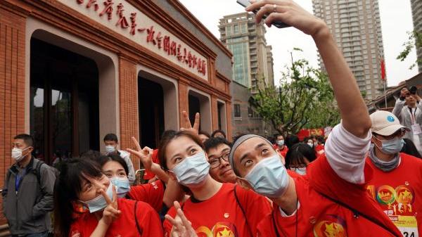 """专访德国共产党主席帕特里克·克贝勒:""""中国成就让全世界共产党人自豪"""""""