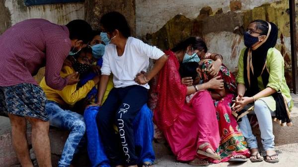 病人遗体堆积、医生躲避家属……印度医院这段视频疯传